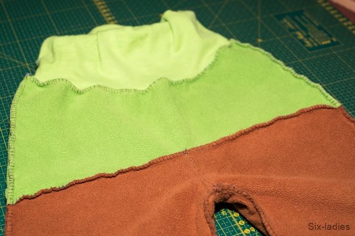 Overlockový steh - softshellové kalhoty po roce nošení, celkový vzheld